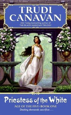 Priestess of the White - Canavan, Trudi