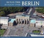 Im Flug über Berlin\In Flight over Berlin