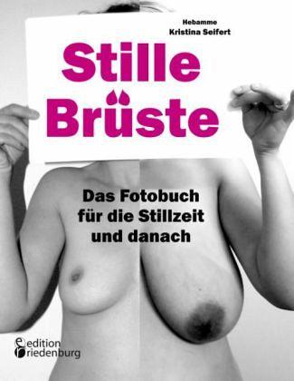 Der sexuelle Büstenhalter auf die kleine Brust