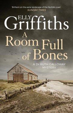 A Room Full of Bones (eBook, ePUB) - Griffiths, Elly