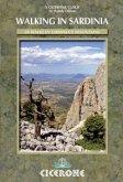 Walking in Sardinia (eBook, PDF)