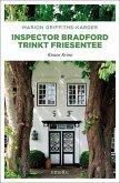 Inspector Bradford trinkt Friesentee