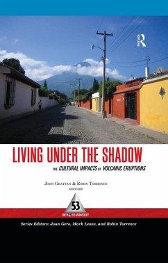Living Under the Shadow (eBook, PDF)