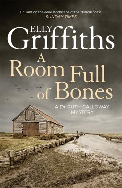 A Room Full of Bones - Griffiths, Elly