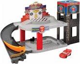 Disney Cars Piston Cup Rennbahn-Parkhaus