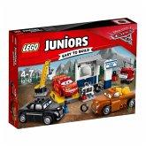 LEGO® Juniors Cars 10743 Smokeys Garage