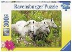 Ravensburger 132188 - Pferde auf der Blumenwiese - Kinderpuzzle, 300 XXL-Teile