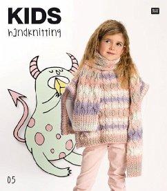 KIDS HANDKNITTING 05