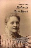 Perlen in ihrer Hand