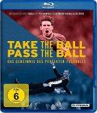 Take the Ball Pass the Ball - Das Geheimnis des perfekten Fußballs (OmU)