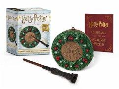 Harry Potter: Hogwarts Christmas Wreath and Wand Set: Lights Up! - Lemke, Donald