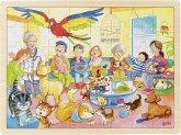 Goki 57435 - Einlegepuzzle, Beim Tierarzt-Im Wartezimmer, Holz, Puzzle, 48 Teile
