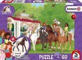 Schmidt 56385 - Schleich, Horse Club, Clubtreffen vor dem Wohnwagen, Puzzle mit Figur, 60 Teile