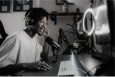 Shure MV7 Dynamisches Podcast Mikrofon Schwarz