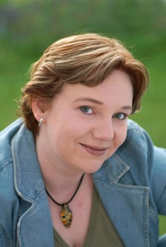 Lynn Raven