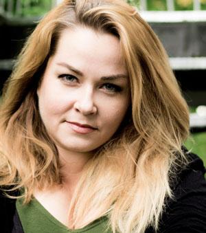 Julia Dippel