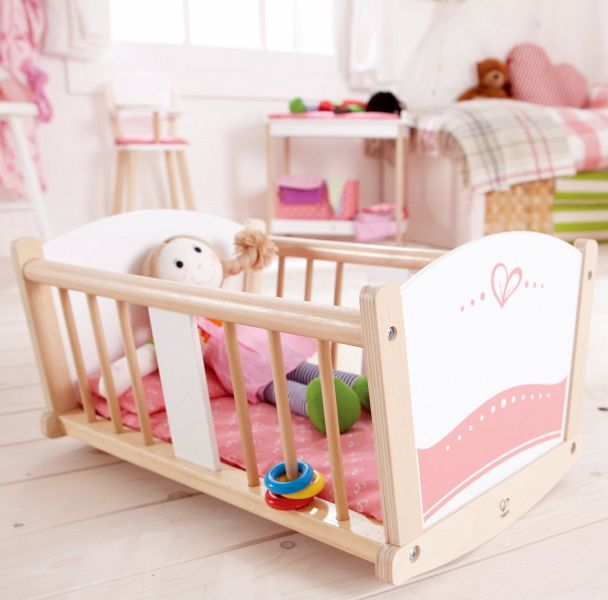 hape e3601 schlummerwiege puppen wiege bett. Black Bedroom Furniture Sets. Home Design Ideas